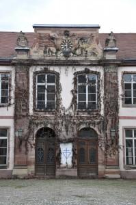Vue partielle de la façade sur cour