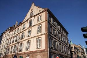 Façades vers la rue de Sébastopol et le quai Kleber